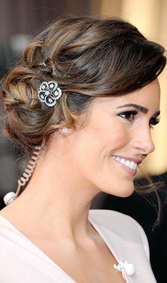 10 Wedding Updos That You Can Try Too Regarding Side Bun Prom Hairstyles With Soft Curls (View 12 of 25)