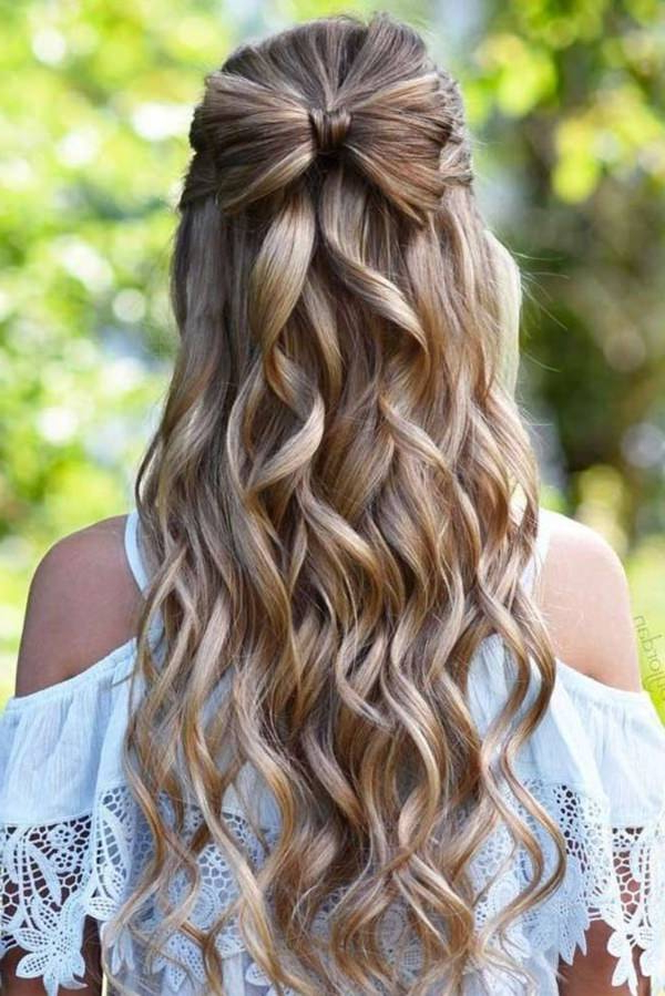 101 Long And Short Prom Hairstyles For This Spring – Style Easily Inside Charming Waves And Curls Prom Hairstyles (View 11 of 25)