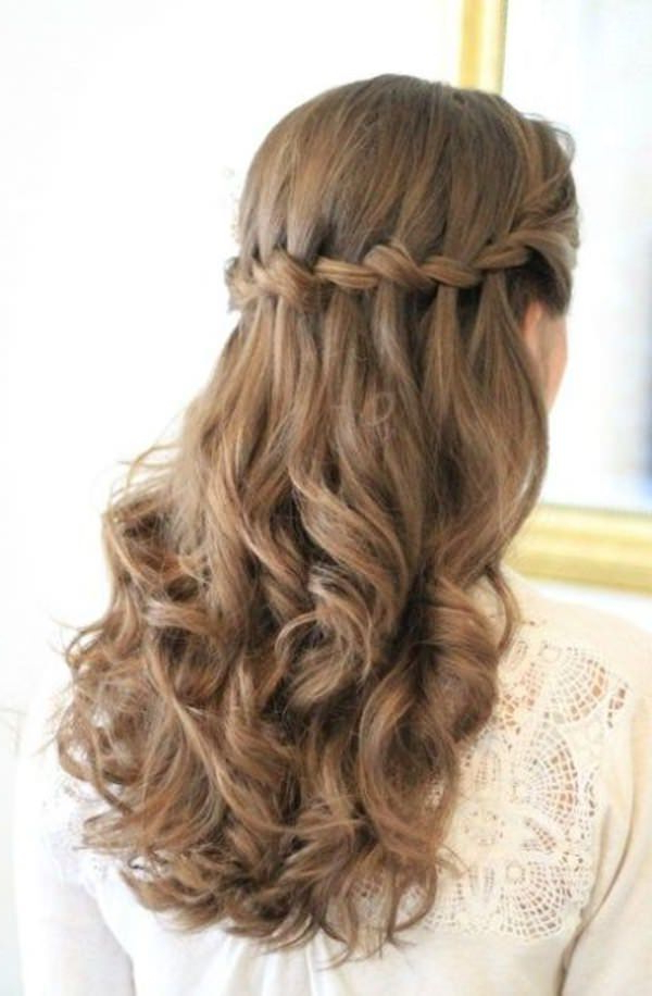 101 Long And Short Prom Hairstyles For This Spring – Style Easily Within Curly Knot Sideways Prom Hairstyles (View 19 of 25)