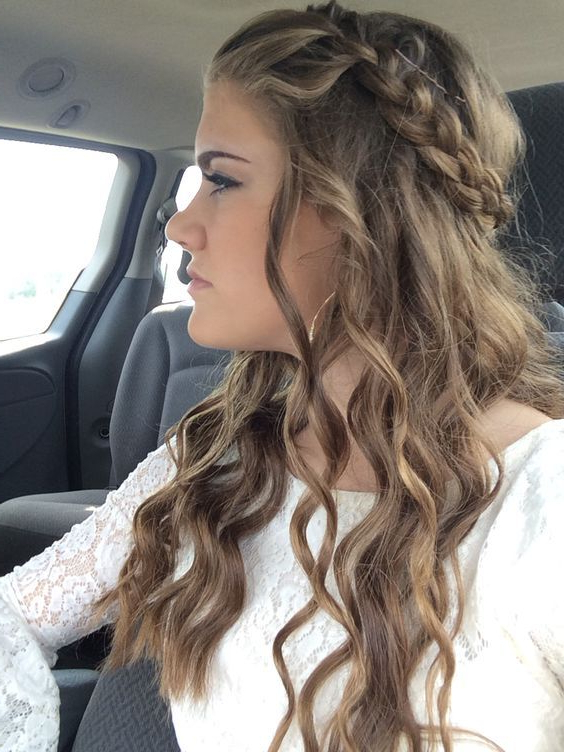 11 Cute Easy Homecoming   Homecoming   Hair Styles, Curly Hair Inside Charming Waves And Curls Prom Hairstyles (View 5 of 25)
