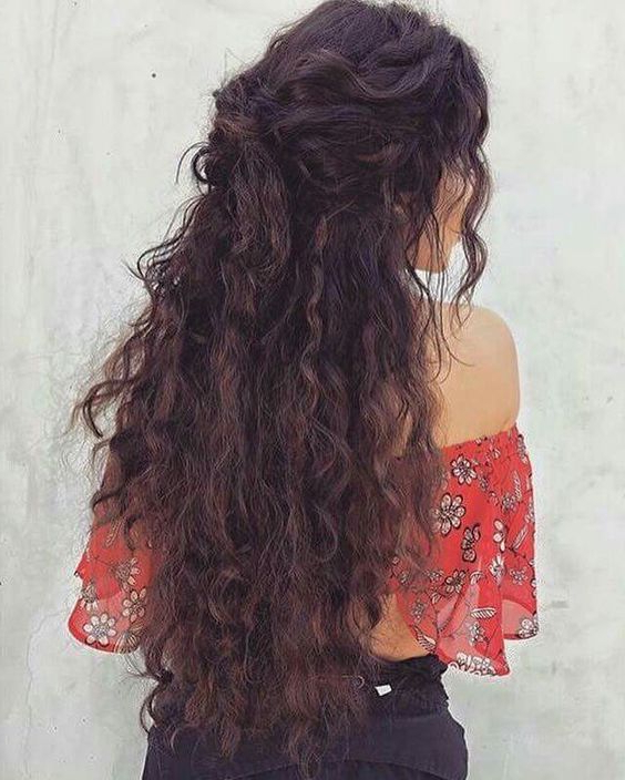 11 Cute Long Curly Hairstyles For Beautiful Women | Cute Stuff With Regard To Long Hairstyles Naturally Wavy Hair (View 6 of 25)