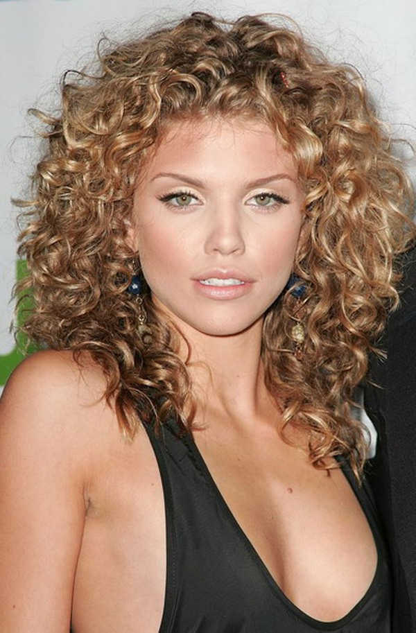 111 Best Layered Haircuts For All Hair Types [2019] – Beautified Designs In Long Curly Layers Hairstyles (View 17 of 25)