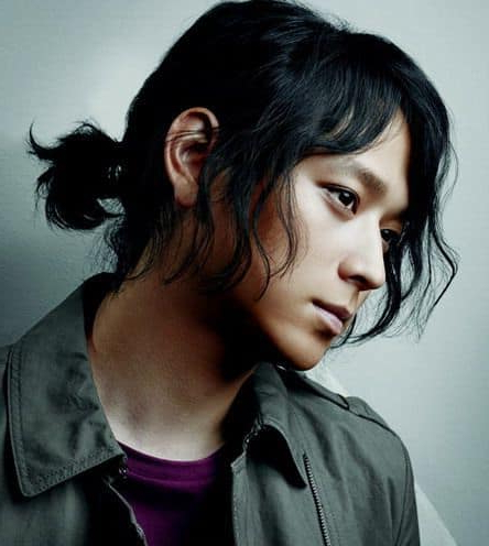 12 Irresistibly Long Hairstyles For Asian Men – Hairstylecamp With Semi Long Hairstyles Korean (View 2 of 25)