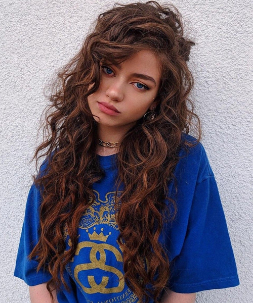 14 Of The Long Curly Hairstyles For Lazy Girls | Vogue Ideas Inside Long Curly Hairstyles (View 24 of 25)