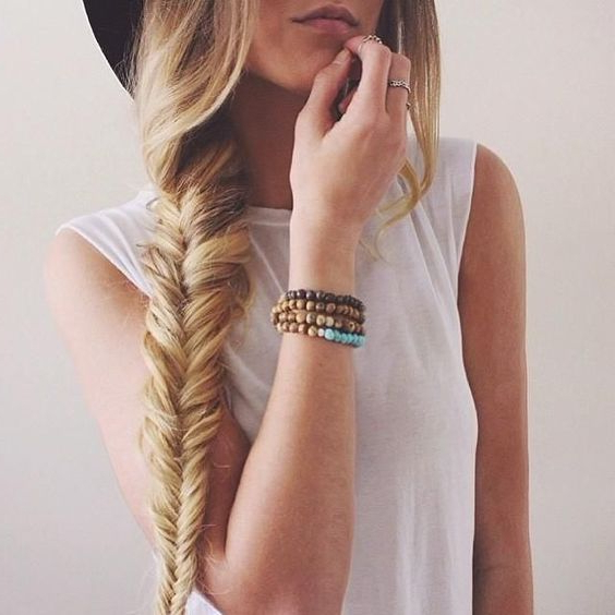 14 Stunning Hairstyles For Long Hair | Hairstyle Tutorials Inside Long Hairstyles For Jeans (View 11 of 25)