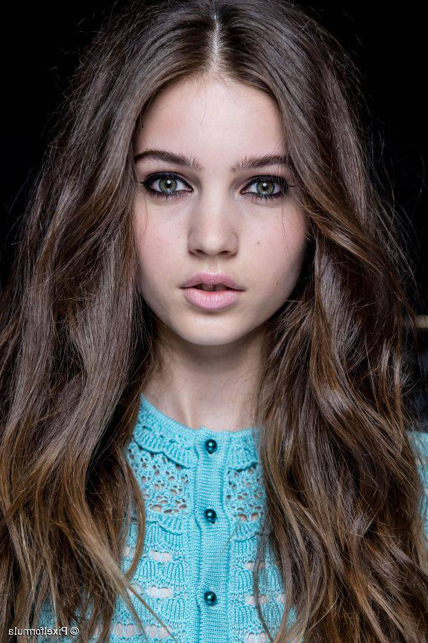 15 Best Hairstyles For Naturally Wavy Hair Of Any Length With Regard To Long Hairstyles Naturally Wavy Hair (View 19 of 25)
