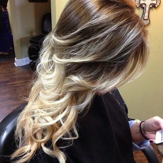 15 Best Long Wavy Hairstyles – Popular Haircuts With Long Hairstyles With Blonde Highlights (View 7 of 25)