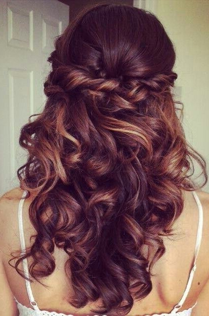 15 Curly Hairstyles For 2018: Flattering New Styles For Everyone With Curled Long Hairstyles (View 20 of 25)