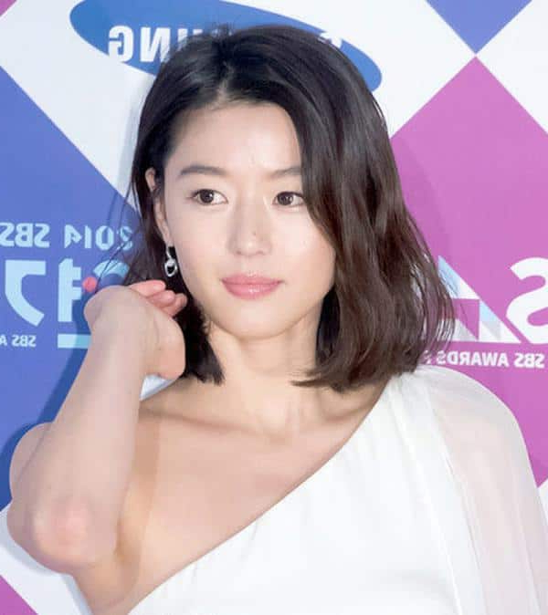 15 Famous Korean Hairstyles For Ladies – Sheideas Intended For Long Hairstyles Korean Actress (View 18 of 25)