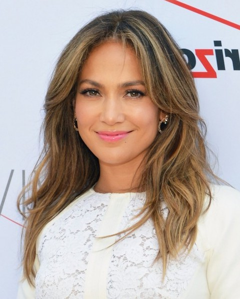 15 Jennifer Lopez Hairstyles – Popular Haircuts For Long Hairstyles With Part In The Middle (View 25 of 25)