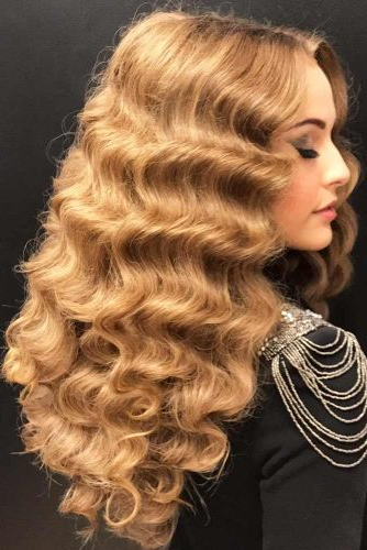 15 Trendy Hairstyles For Long Faces | Lovehairstyles Inside Long Hairstyles For Long Faces (View 23 of 25)