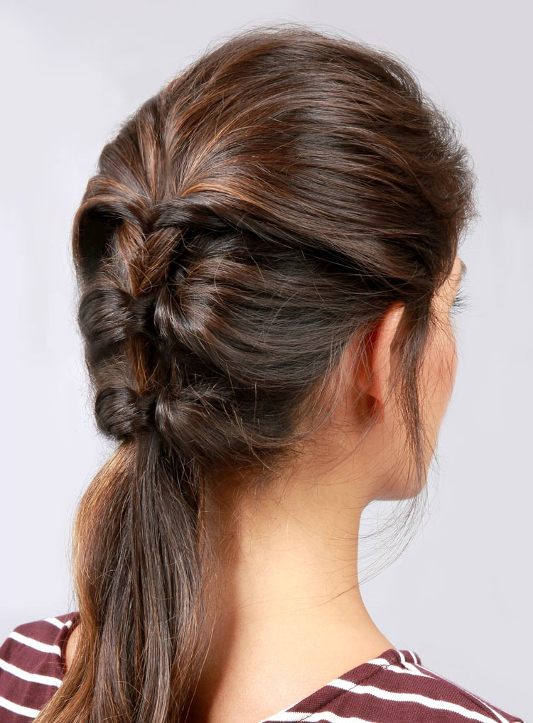 16 Easy Hairstyles For Hot Summer Days | The Everygirl Throughout Long Easy Hairstyles Summer (View 6 of 25)