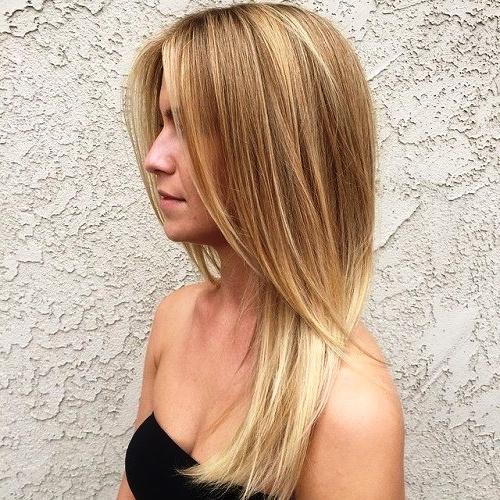 17 Alluring Haircuts For Long Straight Hair To Look Fluently Gorgeous Within Long Hairstyles Layered Straight (View 18 of 25)