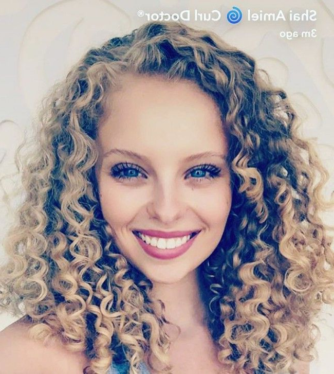 18 Best Haircuts For Curly Hair | Naturallycurly Pertaining To Long Curly Layers Hairstyles (View 21 of 25)