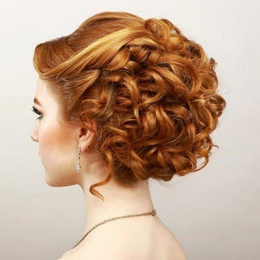 18 Elegant Hairstyles For Prom 2019 Regarding Elegant Curled Prom Hairstyles (View 3 of 25)