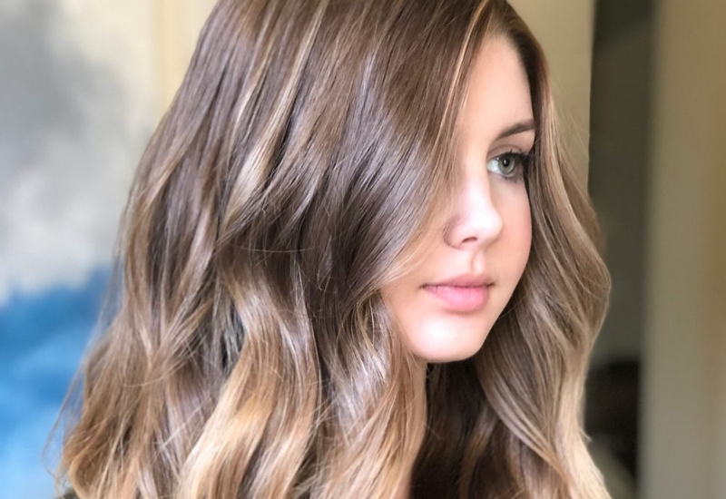 18 Most Flattering Long Hairstyles For Round Faces (2019 Trends) With Regard To Long Hairstyles Brown Hair (View 9 of 25)