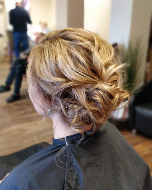 18 Sexiest Messy Updos You'll See In 2019 In Messy Bun Prom Hairstyles With Long Side Pieces (View 15 of 25)