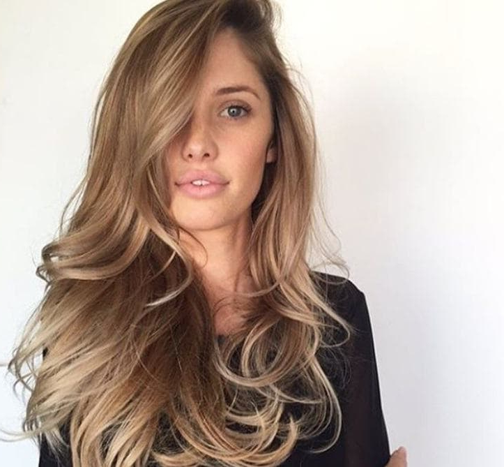 18 Sexy And Easy Night Out Hairstyles For Parties Or Date Nights With Regard To Long Hairstyles For Night Out (View 11 of 25)