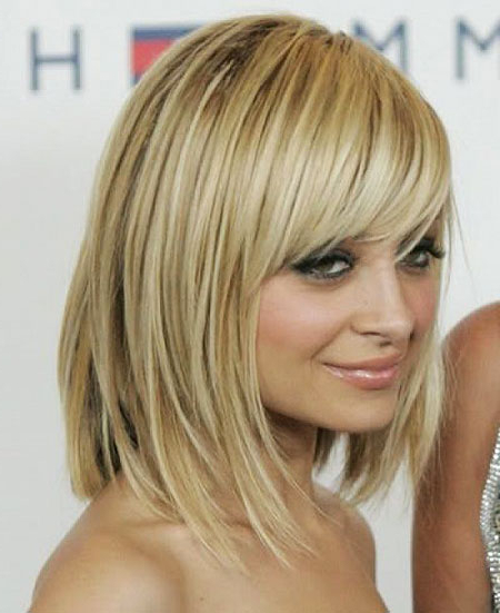 18 Short To Mid Length Hairstyles With Fringe With Regard To Long Length Hairstyles With Fringe (View 11 of 25)