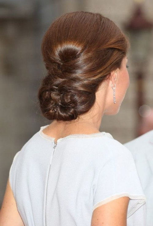 19 Stylish Pulled Back Hairstyles For Long Locks – Styleoholic Pertaining To Long Hairstyles Pulled Back (View 4 of 25)