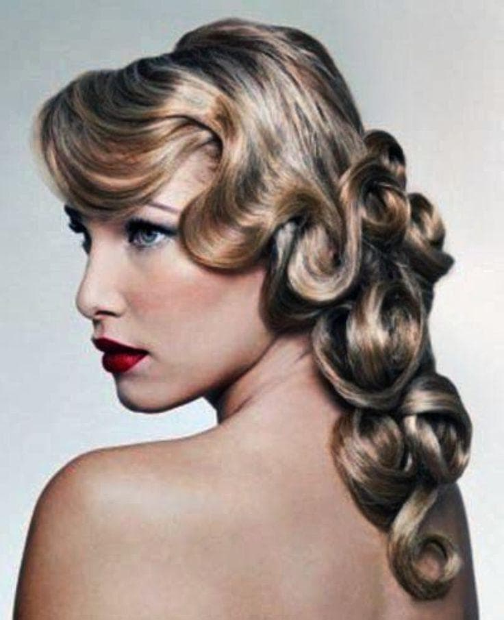 1920S Hairstyles For Long Hair Flappers | Womens Hairstyles Pertaining To Long Hairstyles Of The 1920S (View 9 of 25)