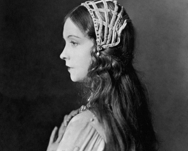 1920S & Retro Hairstyles Photos – Breathtaking Examples | Design Press Regarding Twenties Long Hairstyles (View 25 of 25)