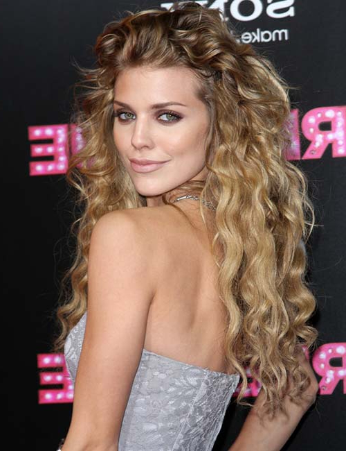 20 Amazing Layered Hairstyles For Curly Hair Pertaining To Long Hairstyles Loose Curls (View 25 of 25)