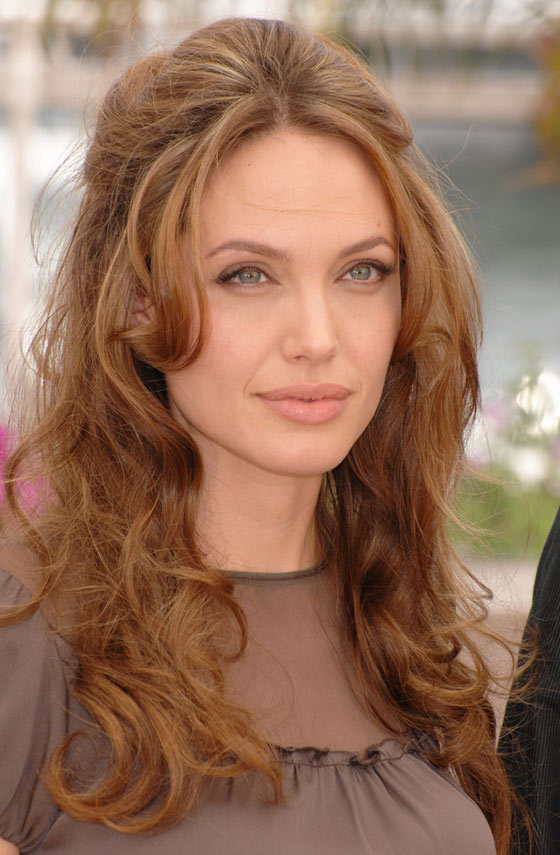20 Best Hairstyles For Oblong Face Shape Within Long Hairstyles For Long Face (View 13 of 25)