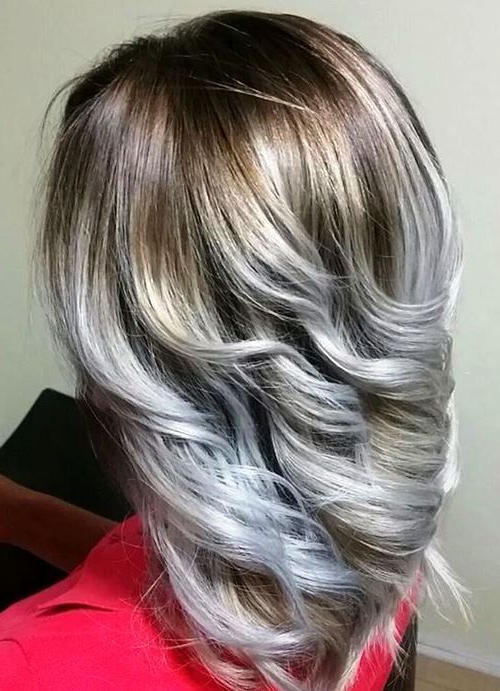 20 Cool Silver & White Highlights Hair Ideas – Hairstyles Weekly Inside Loose Layers Hairstyles With Silver Highlights (View 14 of 25)