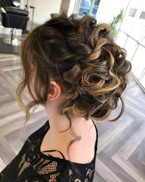 20 Easy Prom Hairstyles For 2019 You Have To See For Side Bun Prom Hairstyles With Soft Curls (View 7 of 25)