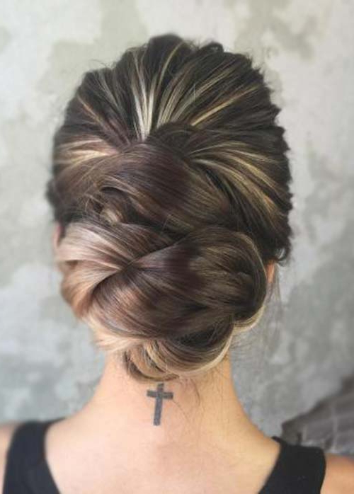 20 Exquisite Prom Updos For Long Hair Intended For Fishtailed Snail Bun Prom Hairstyles (View 5 of 25)