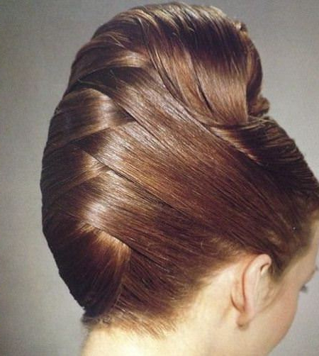 20 Messy Bun Hairstyles For Prom Regarding Classic Prom Updos With Thick Accent Braid (View 6 of 25)