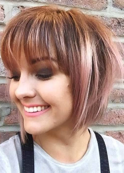20 Short Hairstyles For Fat Faces And Double Chins 2019 With Long Hairstyles To Hide Double Chin (View 19 of 25)