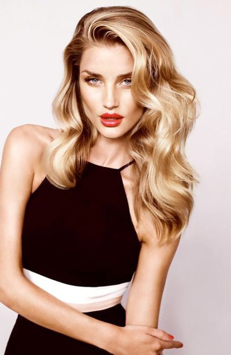 20 Stunning Deep Side Part Hairstyles – The Trend Spotter Within Long Hairstyles Deep Side Part (View 4 of 25)