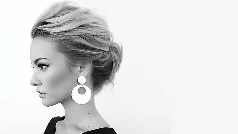 20 Stunning Updos For Short Hair – The Trend Spotter Pertaining To Double Twist And Curls To One Side Prom Hairstyles (View 23 of 25)