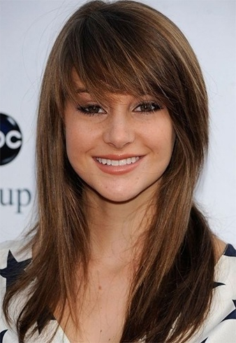 20 Stylish Hairstyles For Oval Face With Long Haircuts With Bangs For Oval Faces (View 11 of 25)