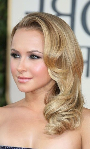 20 Stylish Retro Wavy Hairstyle Tutorials And Hair Looks | Wedding Intended For Side Swept Brunette Waves Hairstyles For Prom (View 14 of 25)