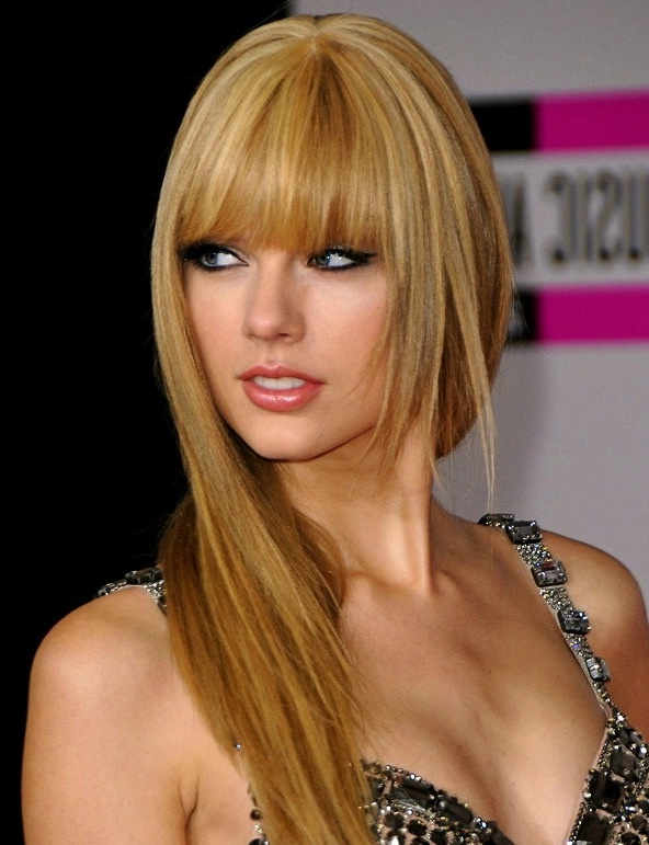 21 Amazing Hairstyles With Bangs – Pretty Designs Regarding Full Fringe Long Hairstyles (View 23 of 25)