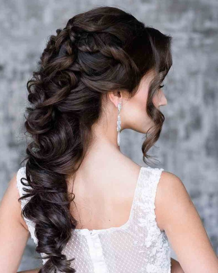 21 Classy And Elegant Wedding Hairstyles – Modwedding Inside Elegant Long Hairstyles For Weddings (View 7 of 25)