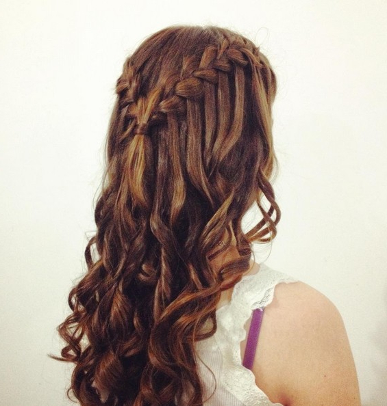 21 Gorgeous Homecoming Hairstyles For All Hair Lengths – Popular With Regard To Long Hairstyles For Homecoming (View 5 of 25)