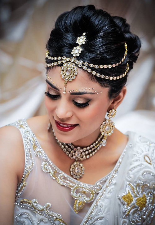 21 Gorgeous Indian Bridal Hairstyles | Indian Makeup And Beauty Blog With Regard To Indian Bridal Long Hairstyles (View 11 of 25)