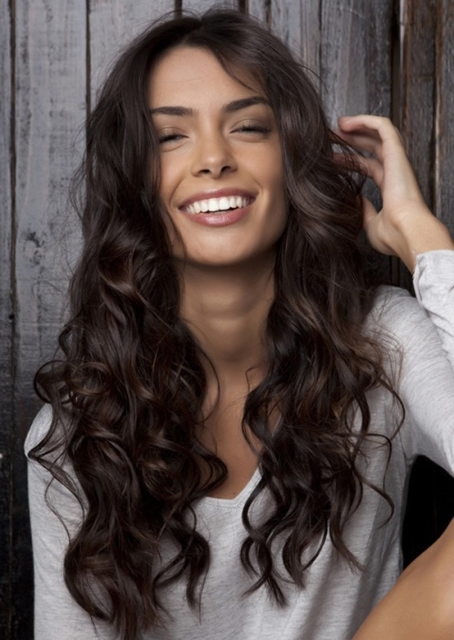 21 Most Beautiful Wavy Hairstyles For Women – Haircuts & Hairstyles 2019 Pertaining To Long Waves Hairstyles (View 23 of 25)