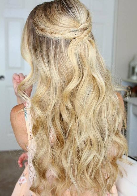 21 Most Glamorous Prom Hairstyles To Enhance Your Beauty – Haircuts Pertaining To Cascading Waves Prom Hairstyles For Long Hair (View 12 of 25)