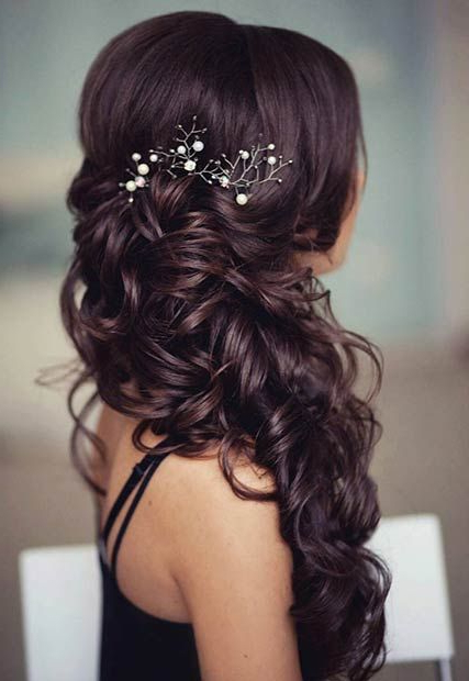 21 Pretty Side Swept Hairstyles For Prom | Hair Do | Bridal Hair In Double Twist And Curls To One Side Prom Hairstyles (View 9 of 25)