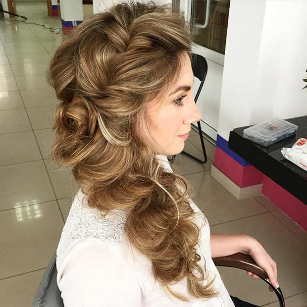 21 Pretty Side Swept Hairstyles For Prom | Page 2 Of 2 | Stayglam Intended For Voluminous Prom Hairstyles To The Side (View 11 of 25)