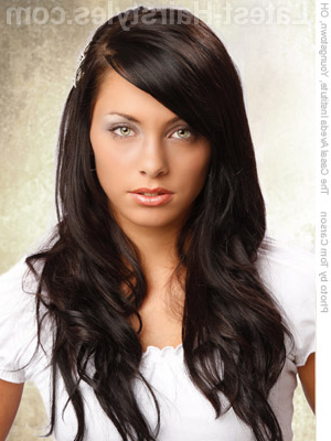 22 Easy Hairstyles For Long Hair (Fast Looks For 2019) Inside Long Hairstyles Dark Hair (View 9 of 25)