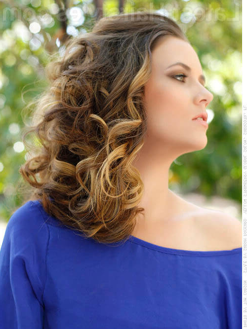 22 Perfectly Gorgeous Down Hairstyles For Prom Regarding Perfect Prom Look Hairstyles (View 21 of 25)
