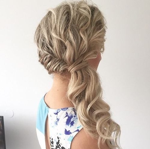 22 Pretty, Charming Ponytail Hairstyle Ideas 2019 Pertaining To Low Curly Side Ponytail Hairstyles For Prom (View 14 of 25)