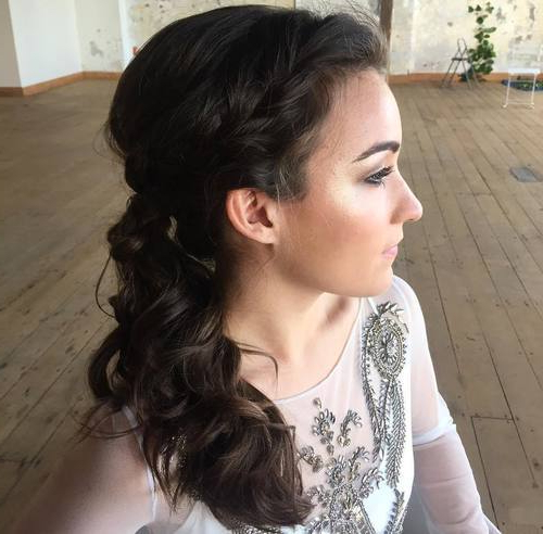 22 Pretty, Charming Ponytail Hairstyle Ideas 2019 With Regard To Low Curly Side Ponytail Hairstyles For Prom (View 18 of 25)
