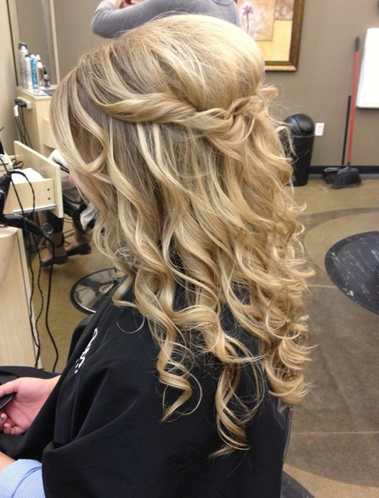 23 Prom Hairstyles Ideas For Long Hair – Popular Haircuts For Easy Curled Prom Updos (View 10 of 25)